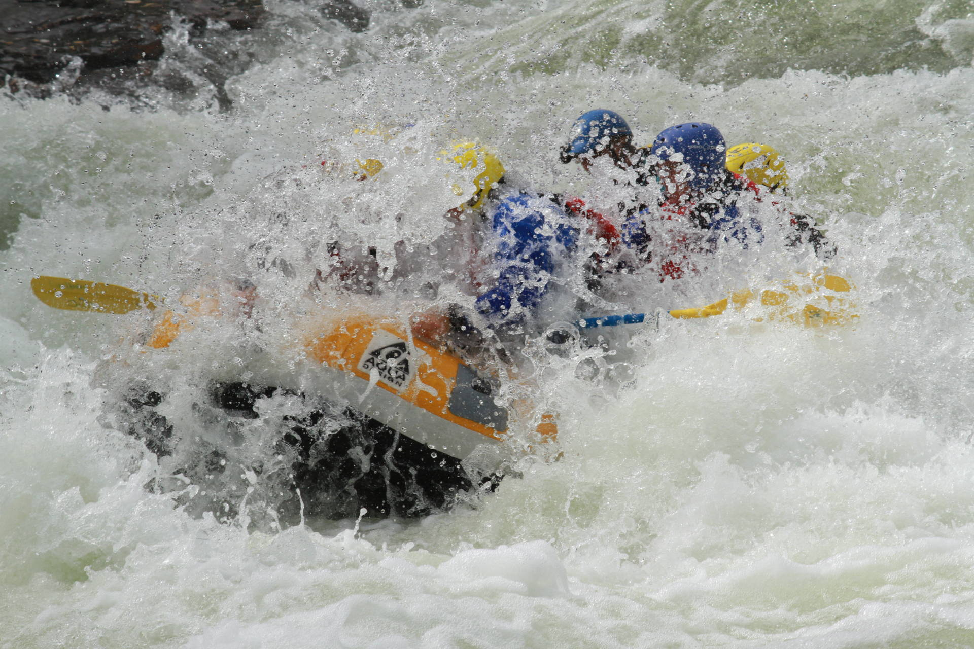 Advanced rafting in Vålån, Åre